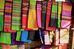Longyi sarongów spódnica mężczyzna i kobieta obrazy stock