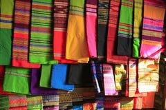 Longyi sarongów spódnica mężczyzna i kobieta fotografia royalty free