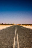 Lonley road in the outback. Of Australie Stock Photos