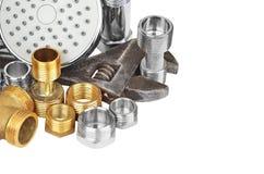 Loodgieterswerkmontage, showerhead en moersleutel Royalty-vrije Stock Foto