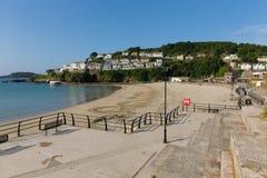 Looe promenad och strand Cornwall England Arkivbild
