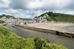 Looestrand en Rivier, Looe, Cornwall, het UK stock foto's