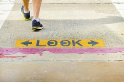 Look crossing sign Royalty Free Stock Photography