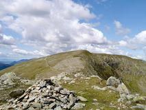Looking to High Crag along ridge path from Dollywagon Pike Stock Photo