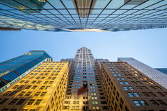 Looking up in Manhattan, New York Royalty Free Stock Photos
