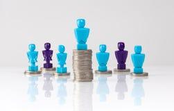 Loonhiaat en het ongelijke concept van de gelddistributie Stock Fotografie