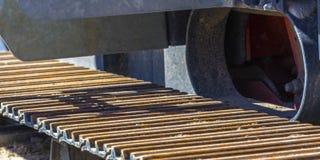 Loopvlakken of spoorplaten van een voertuig op een zonnige dag royalty-vrije stock afbeeldingen