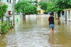 Lopburi,泰国,双十国庆2010年:重的暴雨导致a 库存图片