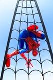 Lopburi, Tailândia - 2 de janeiro de 2015: Modificação da esteira rolante de Web de Spider-Man Fotos de Stock