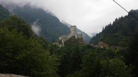 Lopend naar Zil-kasteel, als Zilkale-Kasteel in Rize, Turkije ook wordt bekend dat stock video