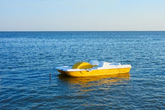 Lopende catamaran Royalty-vrije Stock Afbeeldingen
