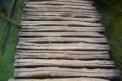 Lopende houten weg Stock Foto