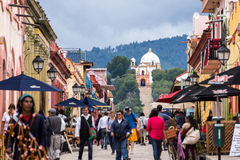 Lopende Straat, San Cristobal De Las Casas, Mexico Royalty-vrije Stock Afbeelding