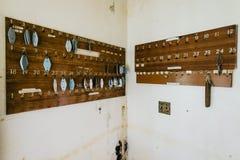 Lopers die op Rek hangen - Verlaten Toevlucht Royalty-vrije Stock Afbeeldingen