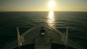 Lopp för kryssningskepp Framdel av kryssningskeppet lager videofilmer