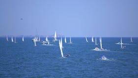 Lopp för många segelbåtar, Burgas fjärd Royaltyfri Fotografi