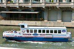 lopp för turister för sight för fartygchicago flod royaltyfria bilder