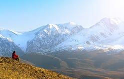 Lopp i bergen Arkivbild