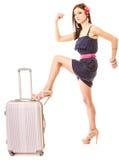 Lopp och semester Kvinna med resväskabagagepåsen Royaltyfria Bilder