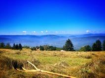Lopp på bosnisk mountaine Arkivbilder