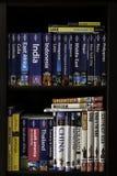 Loppböcker på bokhyllan Royaltyfri Fotografi