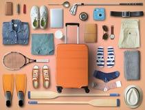 Loppbegrepp med en stor resväska royaltyfria bilder
