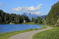 Loppdestination Obersee, Glarus kanton Royaltyfri Fotografi