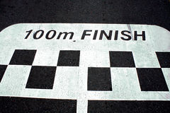 Loppmållinje på asfalt Arkivfoto
