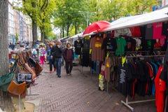 Loppmarknad Waterlooplein i Amsterdam Royaltyfria Foton