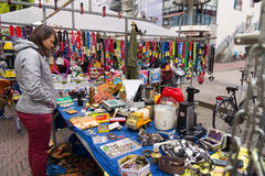Loppmarknad Waterlooplein i Amsterdam Arkivfoto