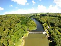 Lopwell est un site de beauté naturelle situé à la limite de marée normale du dartmoor R-U de Tavy de rivière Images stock