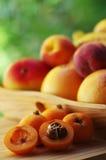 Loquat medlar with nany fruits Stock Photography