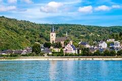 Lorch上午莱茵,莱茵高地区Taunus克瑞斯的一个小镇在Ger 免版税库存图片