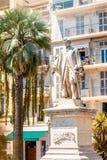 Lord Brougham-standbeeld in de stad van Cannes Stock Foto's