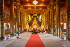 Lord Buddha modell i templet Thailand Royaltyfri Bild