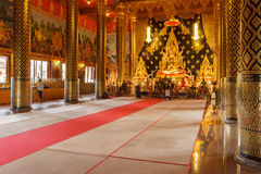 Lord Buddha modell i templet Thailand Arkivfoto