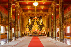 Lord Buddha modell i templet Thailand Arkivbild