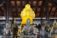 Lord Buddha no templo budista Foto de Stock