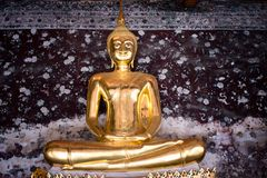 Lord Buddha in tempio buddista Fotografie Stock Libere da Diritti