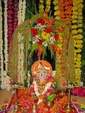 Lord Ganesh met werktuigen voor verering Stock Afbeelding