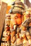 Lord Ganesha-Statue mit Göttin Ridhi Siddhi, beten Konzept Stockfoto