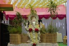 Lord Ganesha ving in feestelijk seizoen royalty-vrije stock foto