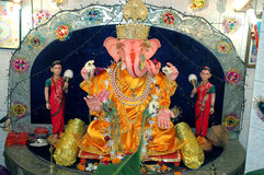 Lord Ganesha With Riddhi Siddhi His Wives Royalty Free Stock Photo
