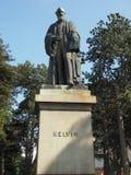 Lord Kelvin-Statue in den botanischen Gärten in Belfast lizenzfreies stockfoto