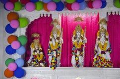 Lord Shriram, Lakshman, Seeta e Hanuman, templo de Salasar Balaji, Akola, Maharashtra fotos de stock