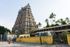 Lord Siva Temple omgav naturen - Chidambaram royaltyfri bild