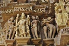 Lord Vishnu Sculptor på den Vishvanatha templet, västra tempel av Khajuraho, Madhya Pradesh, Indien - UNESCOvärldsarv. Arkivfoto