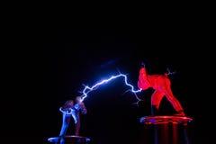 Lords van de elektriciteit van de Bliksemhoogspanning tonen royalty-vrije stock foto