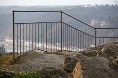 loreleyen vaggar plattformen över Rhinet River Tyskland Royaltyfri Bild