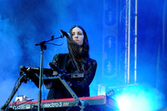 Loren Humphrey, pretty brunette keyboard player of Guards band Royalty Free Stock Images